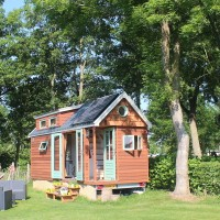 Tiny-House met 500 watt solarsysteem door Aquasolar